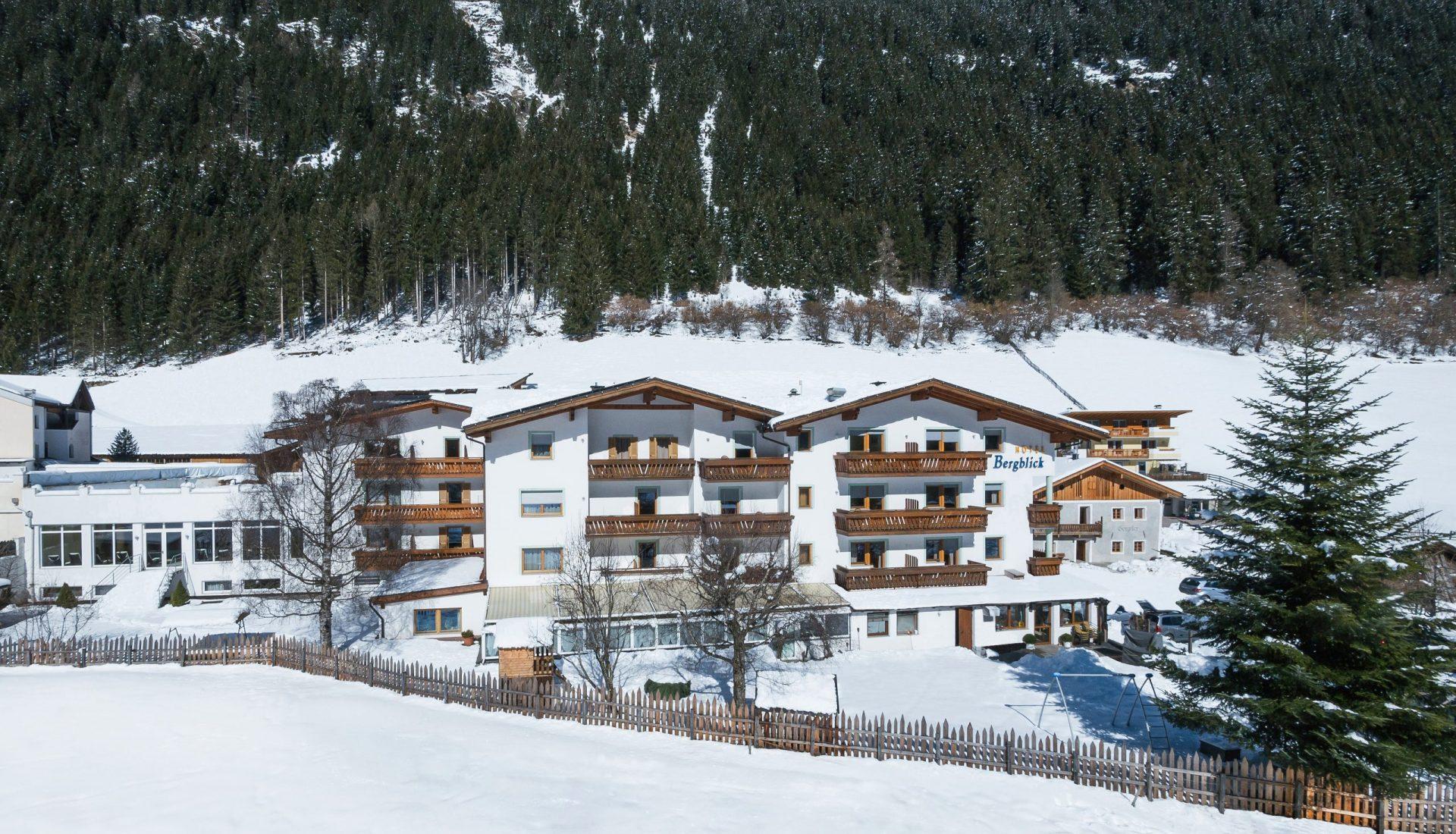 Hotel Bergblick im Schnee
