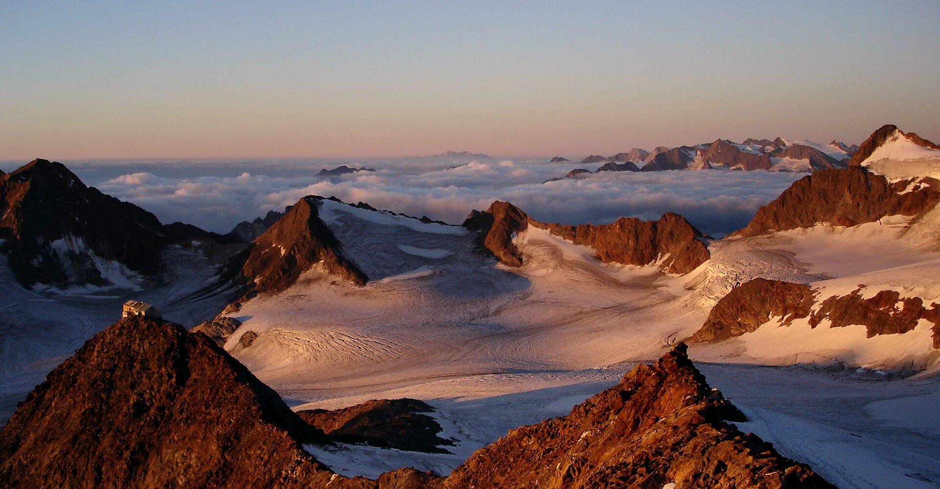 Über den Berggipfeln von Südtirol