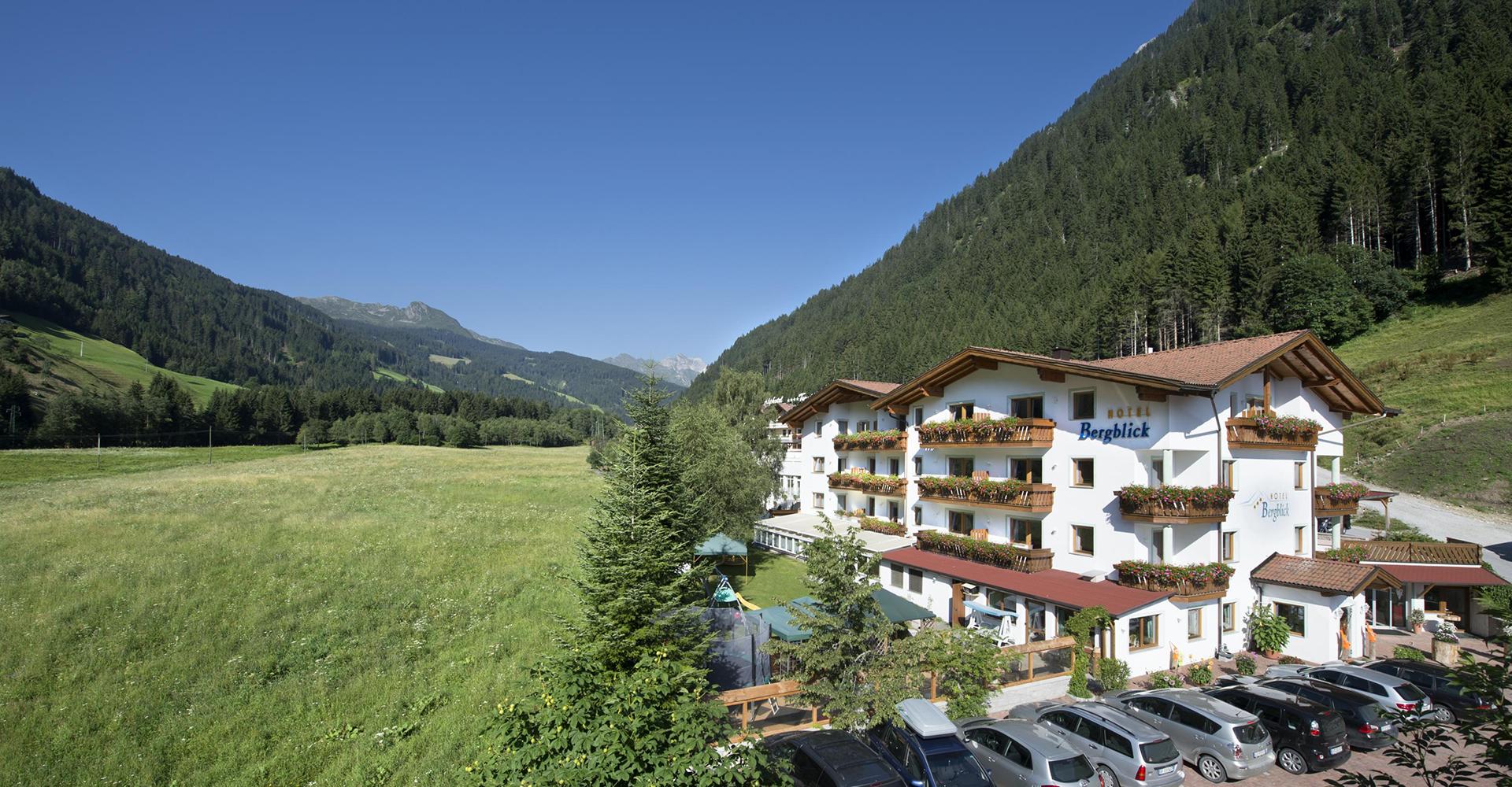 Hotel Bergblick Frontalansicht